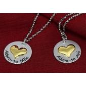 """Medalha c/ Coração Dourado Gravação """"Adoro-te"""""""